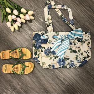 NWT  Tote Bag & Slippers Set